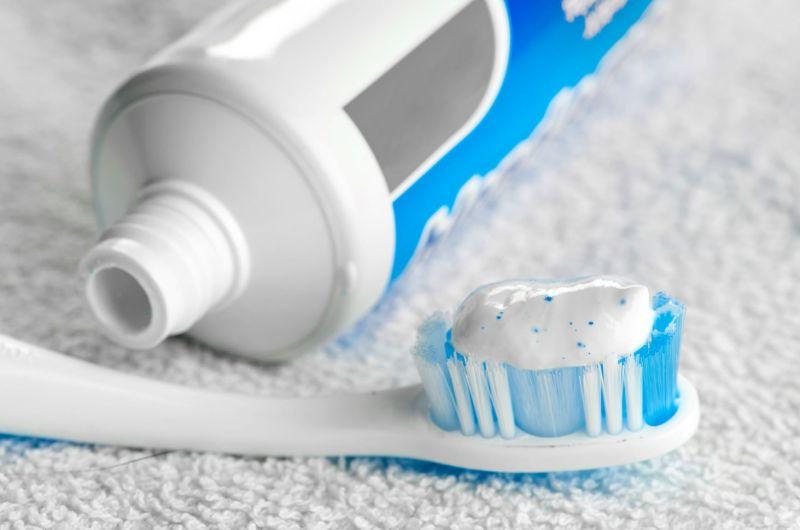 牙膏讓人意想不到 隱藏8招清潔妙方