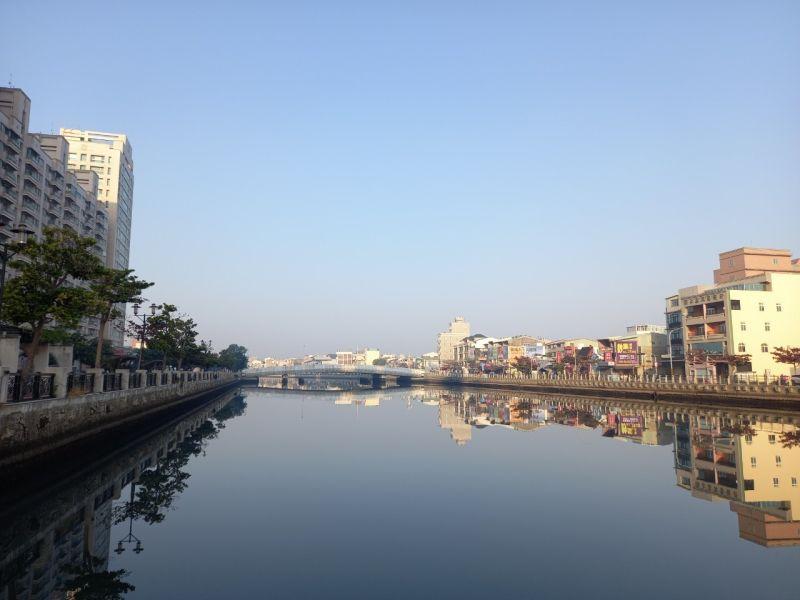 台南運河沿線 指標中古大樓2字頭